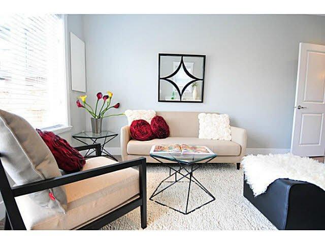 "Main Photo: 2189 E 34TH Avenue in Vancouver: Victoria VE 1/2 Duplex for sale in ""DUPLEX"" (Vancouver East)  : MLS®# V1103074"