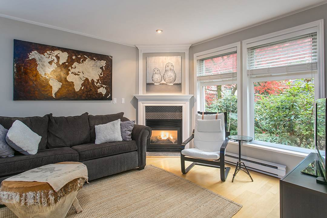 "Main Photo: 106 2588 ALDER Street in Vancouver: Fairview VW Condo for sale in ""BOLLERT PLACE"" (Vancouver West)  : MLS®# R2014065"
