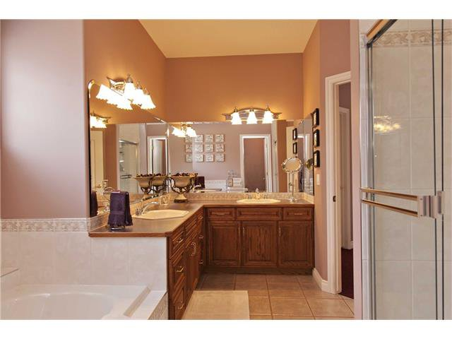 Photo 16: Photos: 1 Ridge Pointe Drive: Heritage Pointe House for sale : MLS®# C4052593