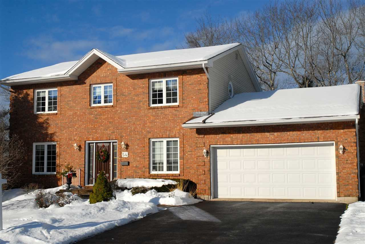 Main Photo: 54 Adlington Court in Bedford: 20-Bedford Residential for sale (Halifax-Dartmouth)  : MLS®# 201603970