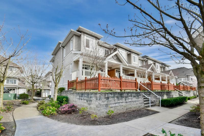 "Main Photo: 15 6852 193 Street in Surrey: Clayton Townhouse for sale in ""Indigo"" (Cloverdale)  : MLS®# R2049861"