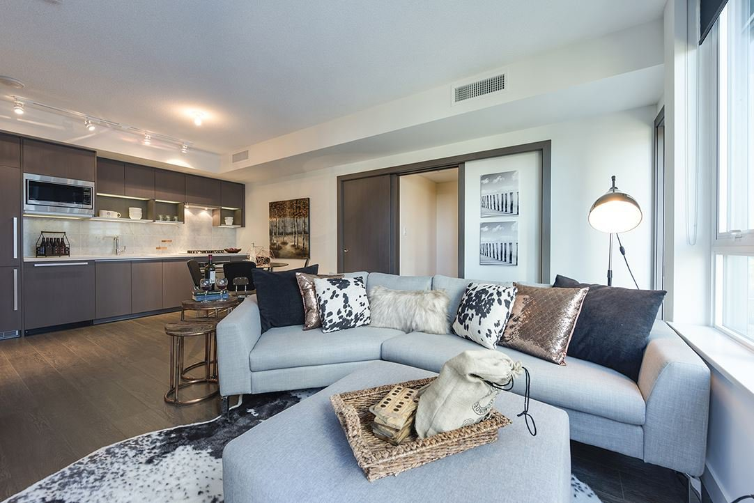 """Main Photo: 803 68 SMITHE Street in Vancouver: Yaletown Condo for sale in """"One Pacific"""" (Vancouver West)  : MLS®# R2111209"""