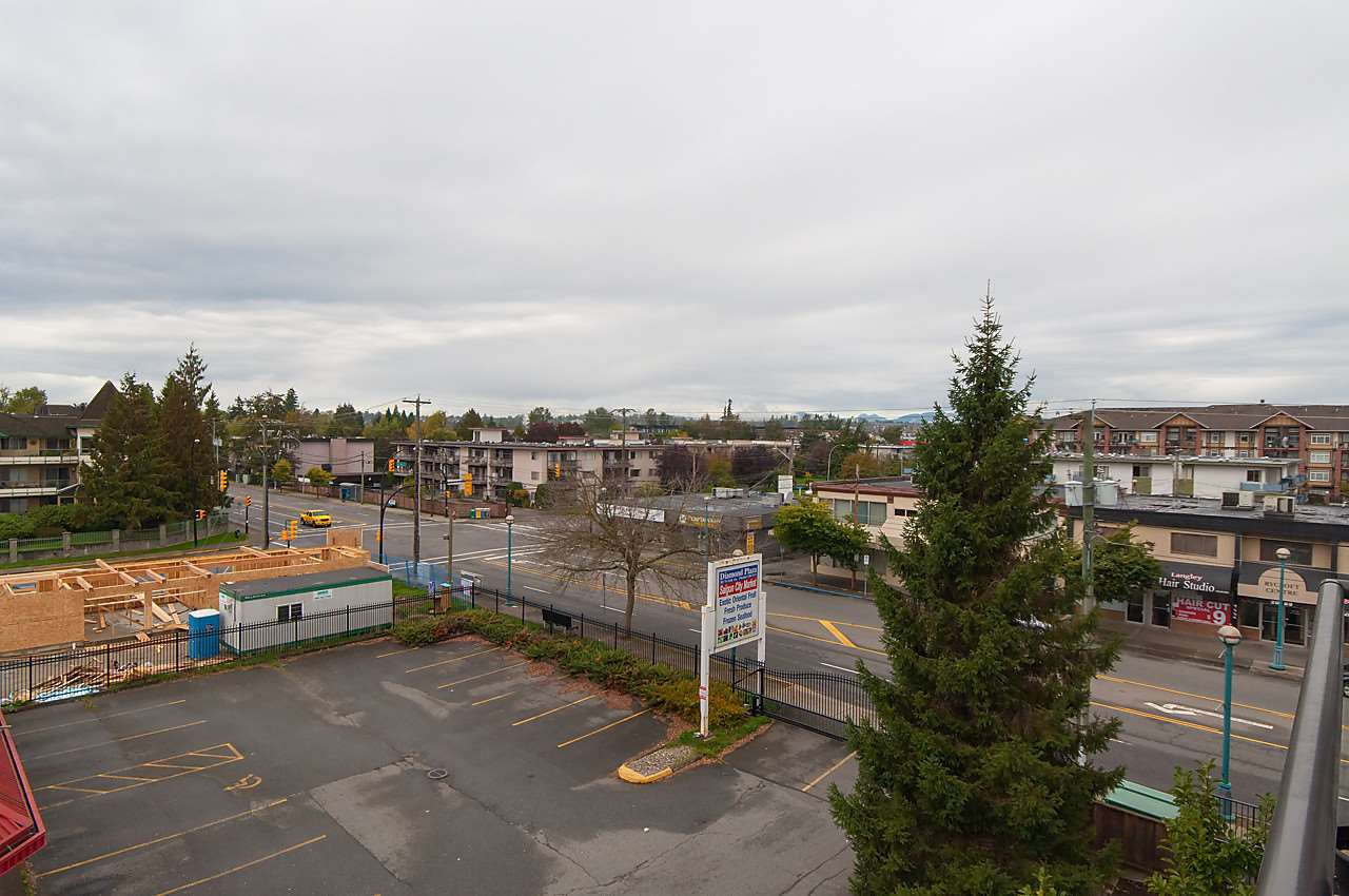 "Photo 15: Photos: 404 20200 56 Avenue in Langley: Langley City Condo for sale in ""The Bentley"" : MLS®# R2116212"