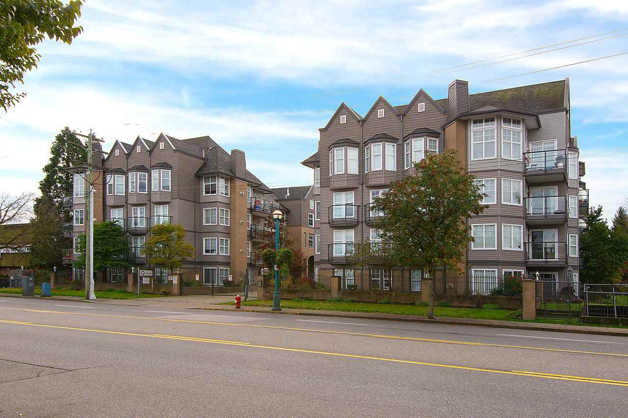 "Photo 18: Photos: 404 20200 56 Avenue in Langley: Langley City Condo for sale in ""The Bentley"" : MLS®# R2116212"