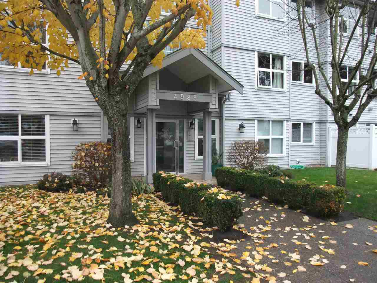 "Main Photo: 102 4989 47 Avenue in Ladner: Ladner Elementary Condo for sale in ""Parc Regent Estates"" : MLS®# R2119536"