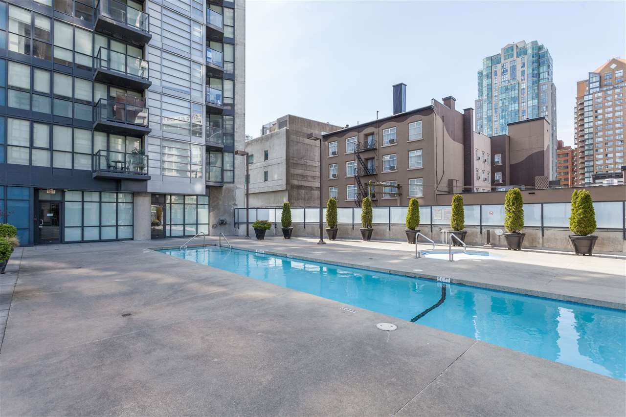 "Photo 19: Photos: 2008 1155 SEYMOUR Street in Vancouver: Downtown VW Condo for sale in ""BRAVA"" (Vancouver West)  : MLS®# R2138571"