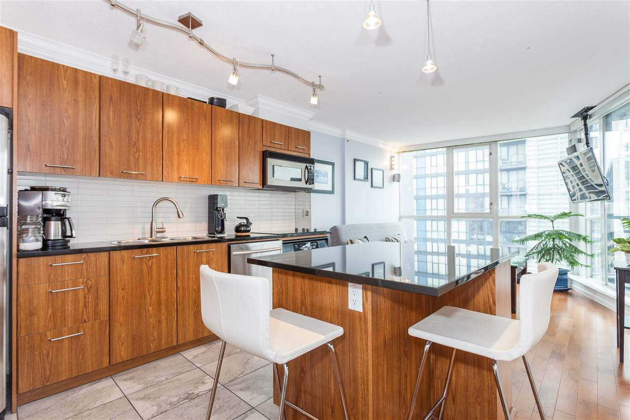 "Photo 5: Photos: 2008 1155 SEYMOUR Street in Vancouver: Downtown VW Condo for sale in ""BRAVA"" (Vancouver West)  : MLS®# R2138571"