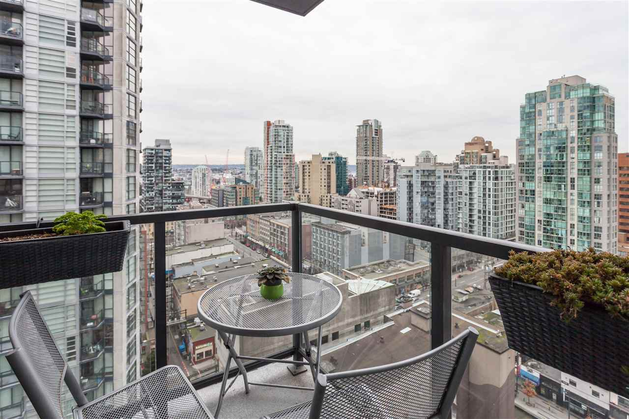 "Photo 11: Photos: 2008 1155 SEYMOUR Street in Vancouver: Downtown VW Condo for sale in ""BRAVA"" (Vancouver West)  : MLS®# R2138571"