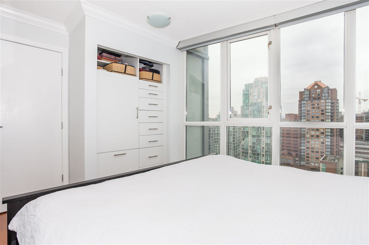 "Photo 10: Photos: 2008 1155 SEYMOUR Street in Vancouver: Downtown VW Condo for sale in ""BRAVA"" (Vancouver West)  : MLS®# R2138571"