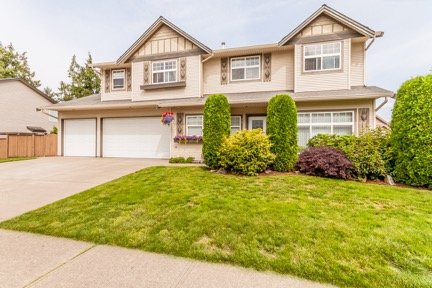 "Main Photo: 35175 LABURNUM Avenue in Abbotsford: Abbotsford East House for sale in ""Clayburn Ridge"" : MLS®# R2187812"