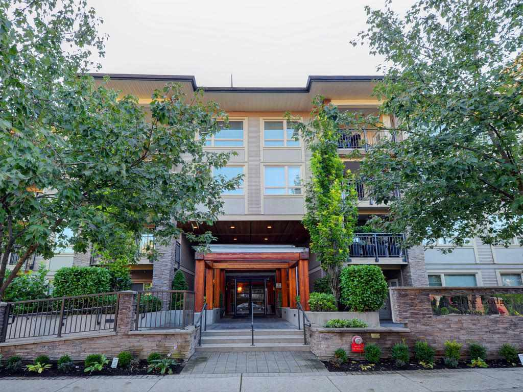 "Main Photo: 104 701 KLAHANIE Drive in Port Moody: Port Moody Centre Condo for sale in ""Nahanni"" : MLS®# R2209103"