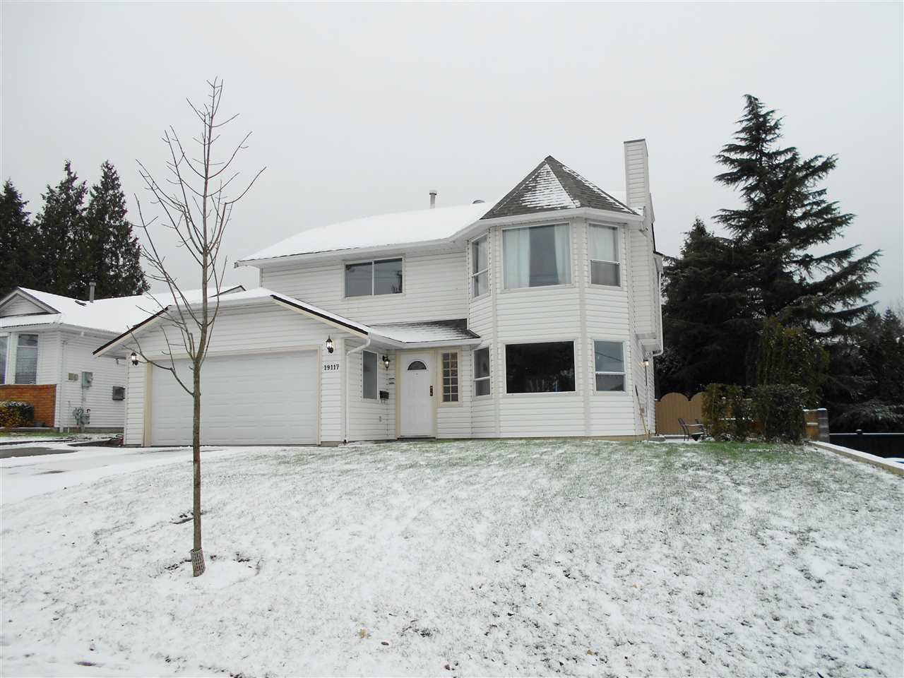 Main Photo: 19117 60 AVENUE in : Cloverdale BC House for sale (Cloverdale)  : MLS®# R2127372
