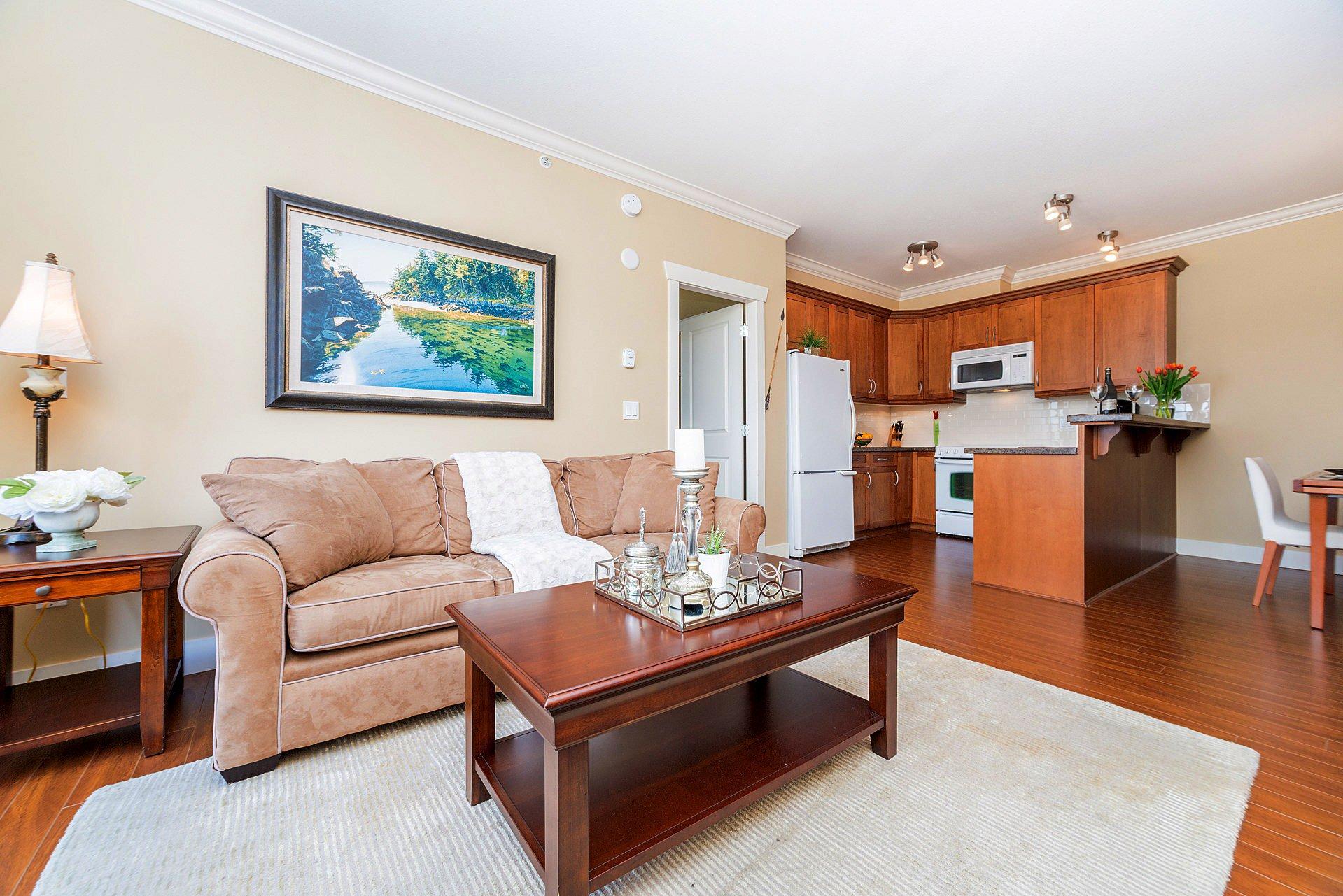 """Photo 3: Photos: 408 15368 17A Avenue in Surrey: King George Corridor Condo for sale in """"OCEAN WYNDE"""" (South Surrey White Rock)  : MLS®# R2249492"""