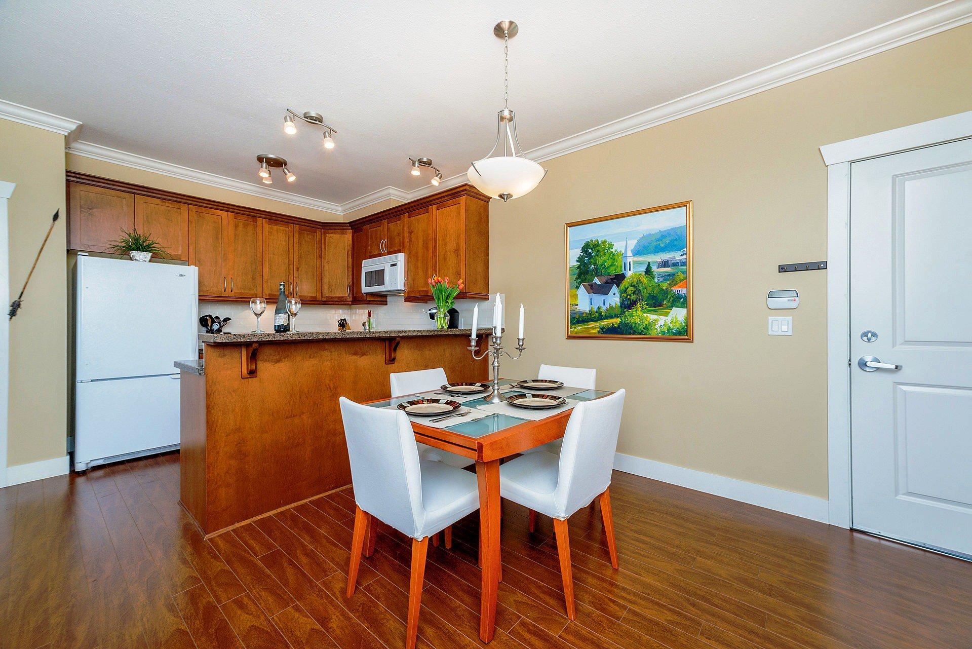"""Photo 5: Photos: 408 15368 17A Avenue in Surrey: King George Corridor Condo for sale in """"OCEAN WYNDE"""" (South Surrey White Rock)  : MLS®# R2249492"""