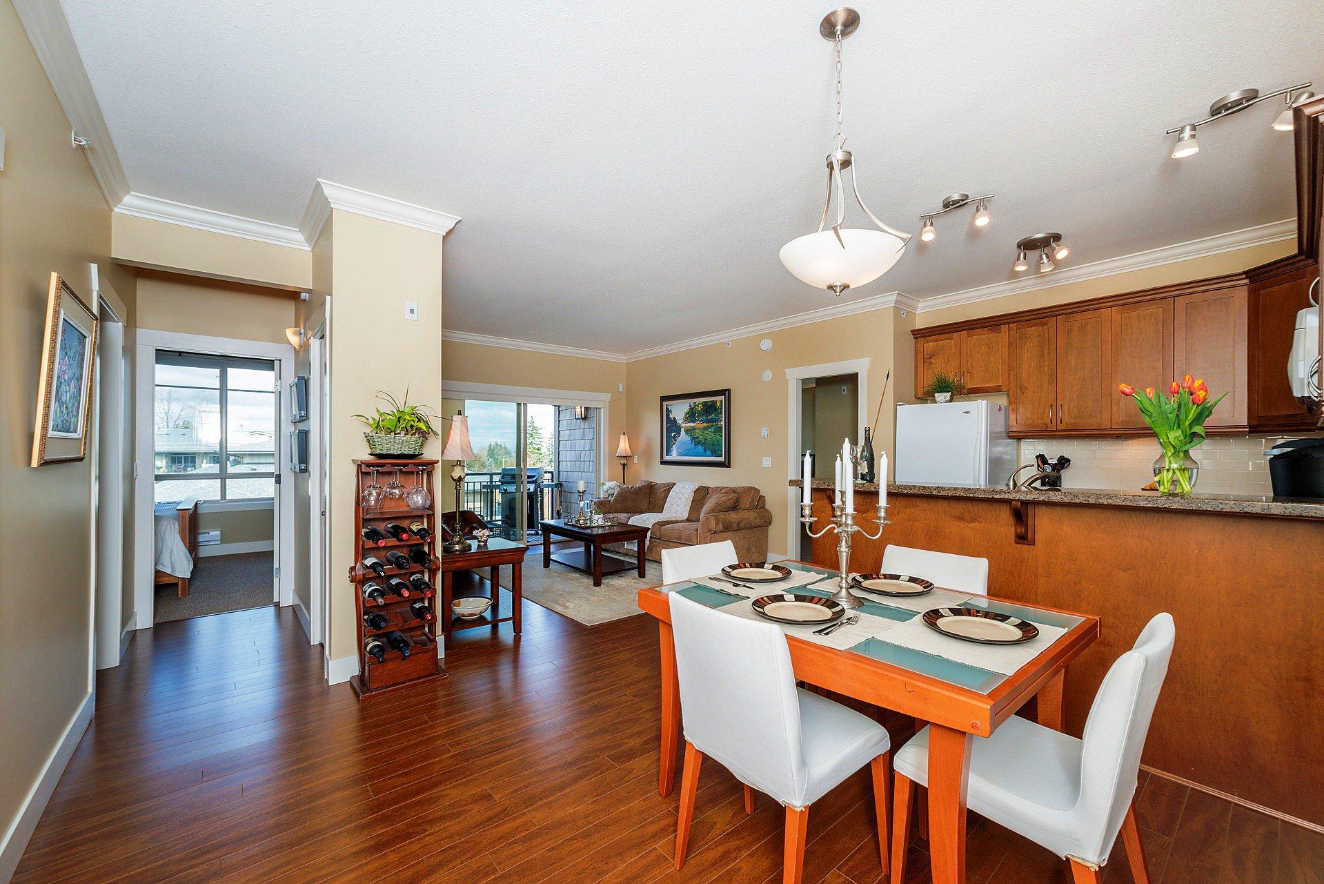 """Photo 4: Photos: 408 15368 17A Avenue in Surrey: King George Corridor Condo for sale in """"OCEAN WYNDE"""" (South Surrey White Rock)  : MLS®# R2249492"""