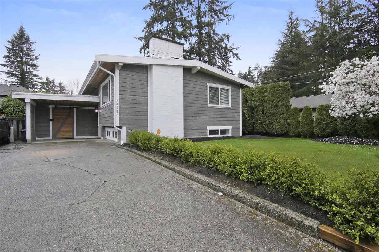 Main Photo: 34115 WALNUT Avenue in Abbotsford: Central Abbotsford House for sale : MLS®# R2257110