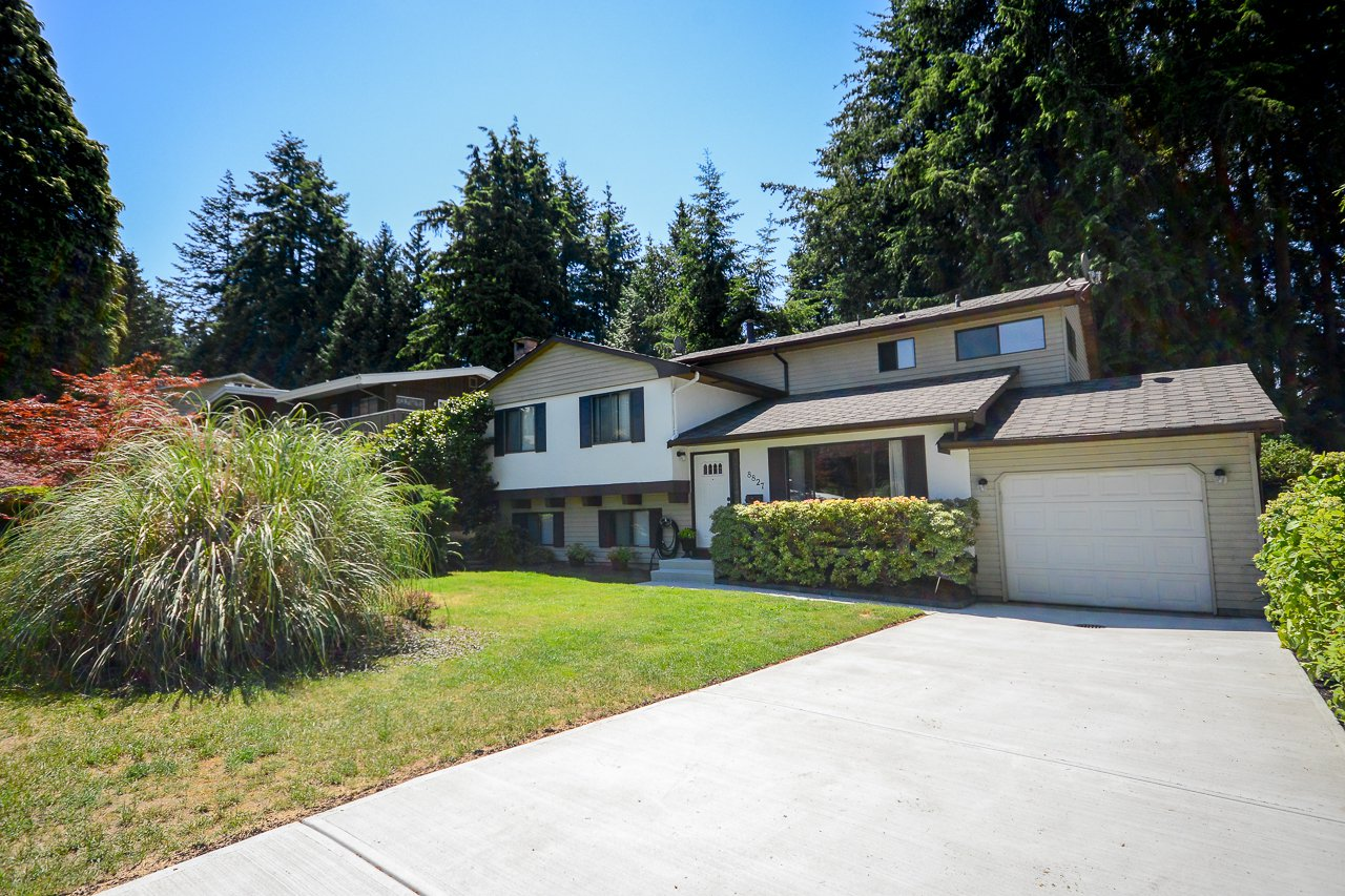 """Main Photo: 8827 DELCREST Drive in Delta: Nordel House for sale in """"DELWOOD PARK"""" (N. Delta)  : MLS®# R2281402"""
