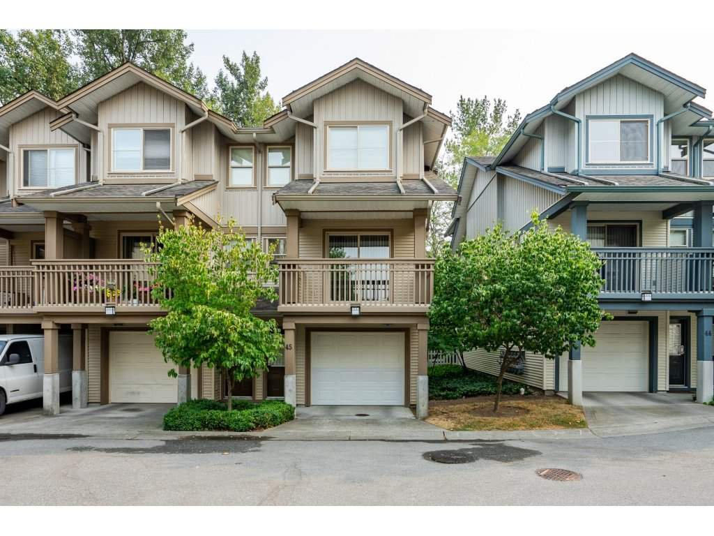 "Main Photo: 45 19250 65 Avenue in Surrey: Clayton Townhouse for sale in ""SUNBERRY COURT"" (Cloverdale)  : MLS®# R2297371"