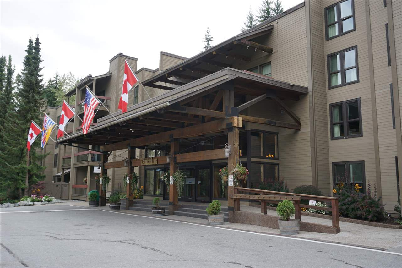 "Main Photo: 402 4200 WHISTLER Way in Whistler: Whistler Village Condo for sale in ""Tantalus Lodge"" : MLS®# R2303940"