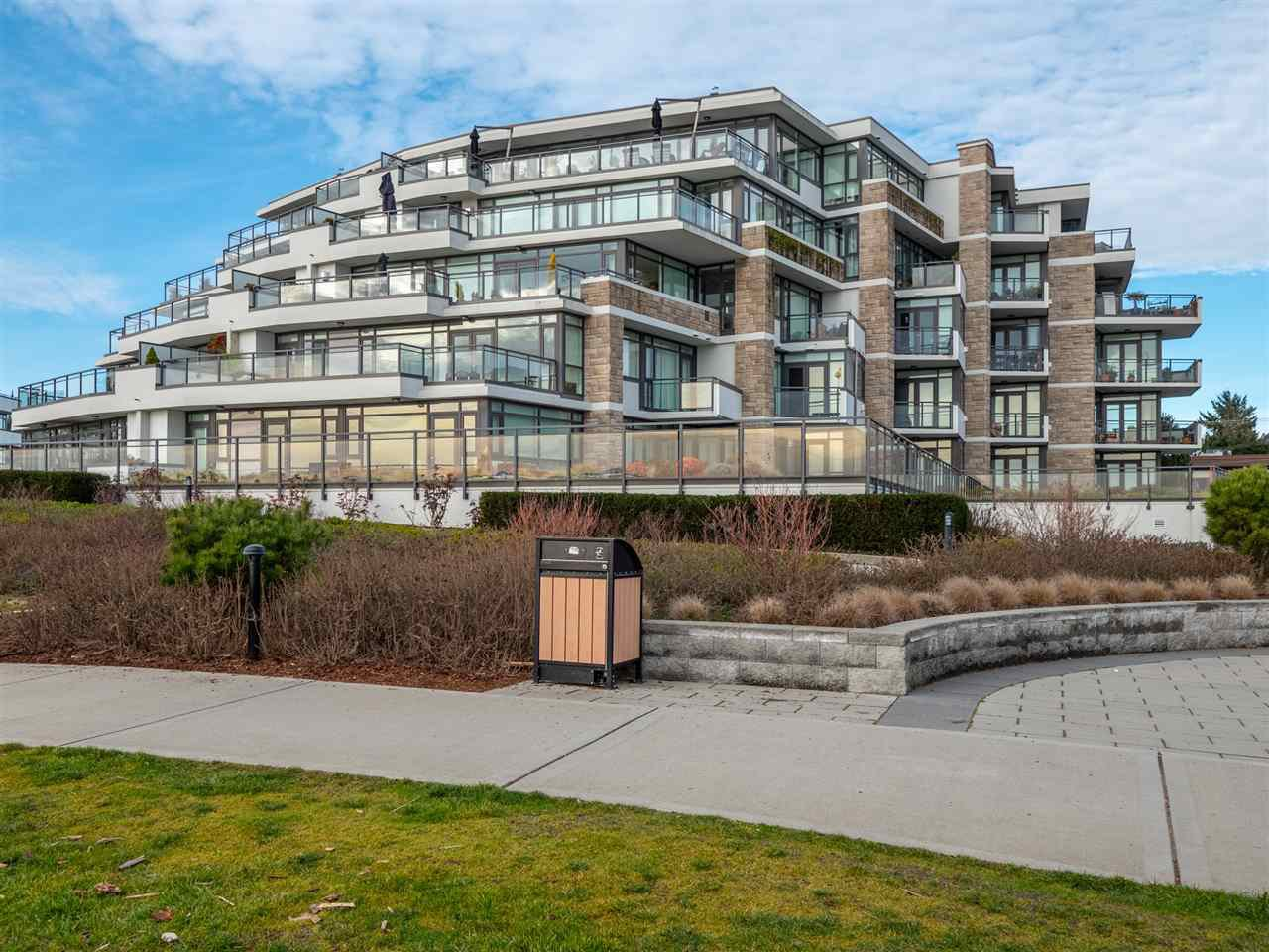 "Main Photo: 211 5665 TEREDO Street in Sechelt: Sechelt District Condo for sale in ""WATERMARK AT SECHELT"" (Sunshine Coast)  : MLS®# R2339124"