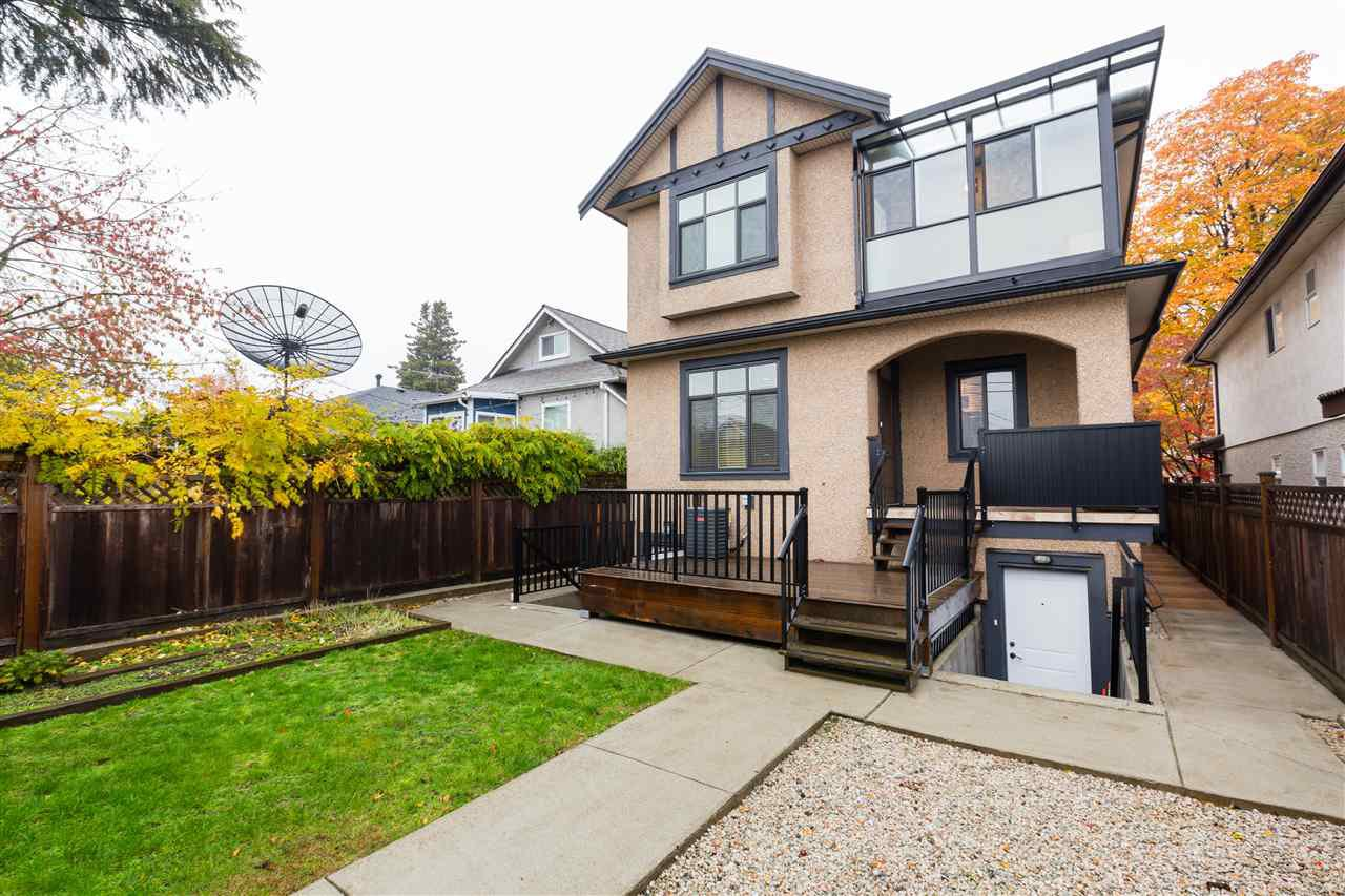 Photo 19: Photos: 5597 INVERNESS Street in Vancouver: Knight House for sale (Vancouver East)  : MLS®# R2345297