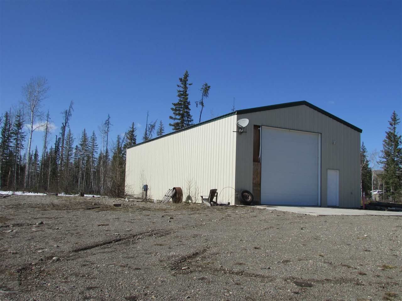 """Main Photo: 19587 LESAGE Road: Hudsons Hope Manufactured Home for sale in """"Lynx Creek Subdivision"""" (Fort St. John (Zone 60))  : MLS®# R2353928"""