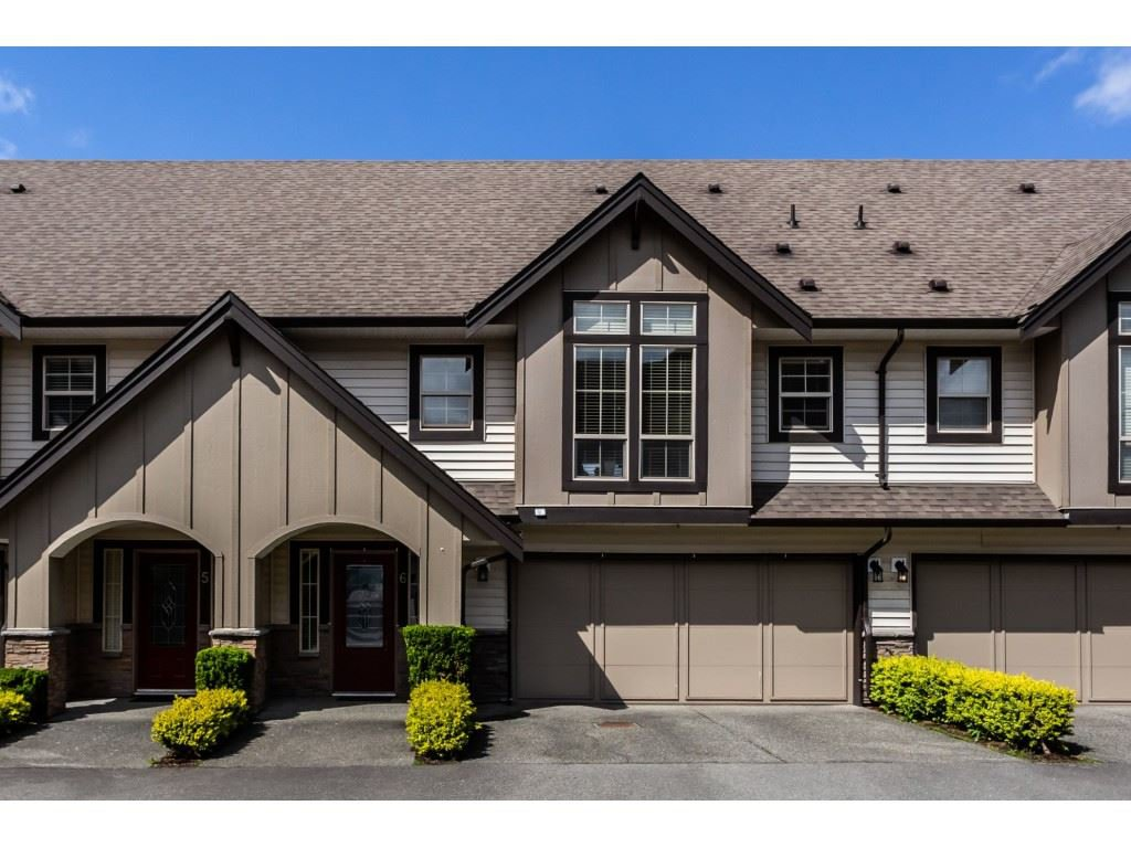 "Main Photo: 6 46151 AIRPORT Road in Chilliwack: Chilliwack E Young-Yale Townhouse for sale in ""Avion Place"" : MLS®# R2361078"