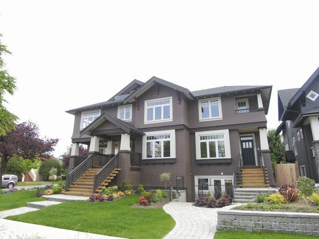 Main Photo: 3208 W. 1st Ave in Vancouver: Home for sale : MLS®# V713575