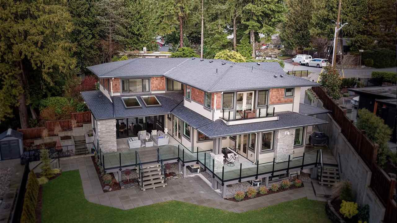 Main Photo: 4507 CEDARCREST Avenue in North Vancouver: Canyon Heights NV House for sale : MLS®# R2459549