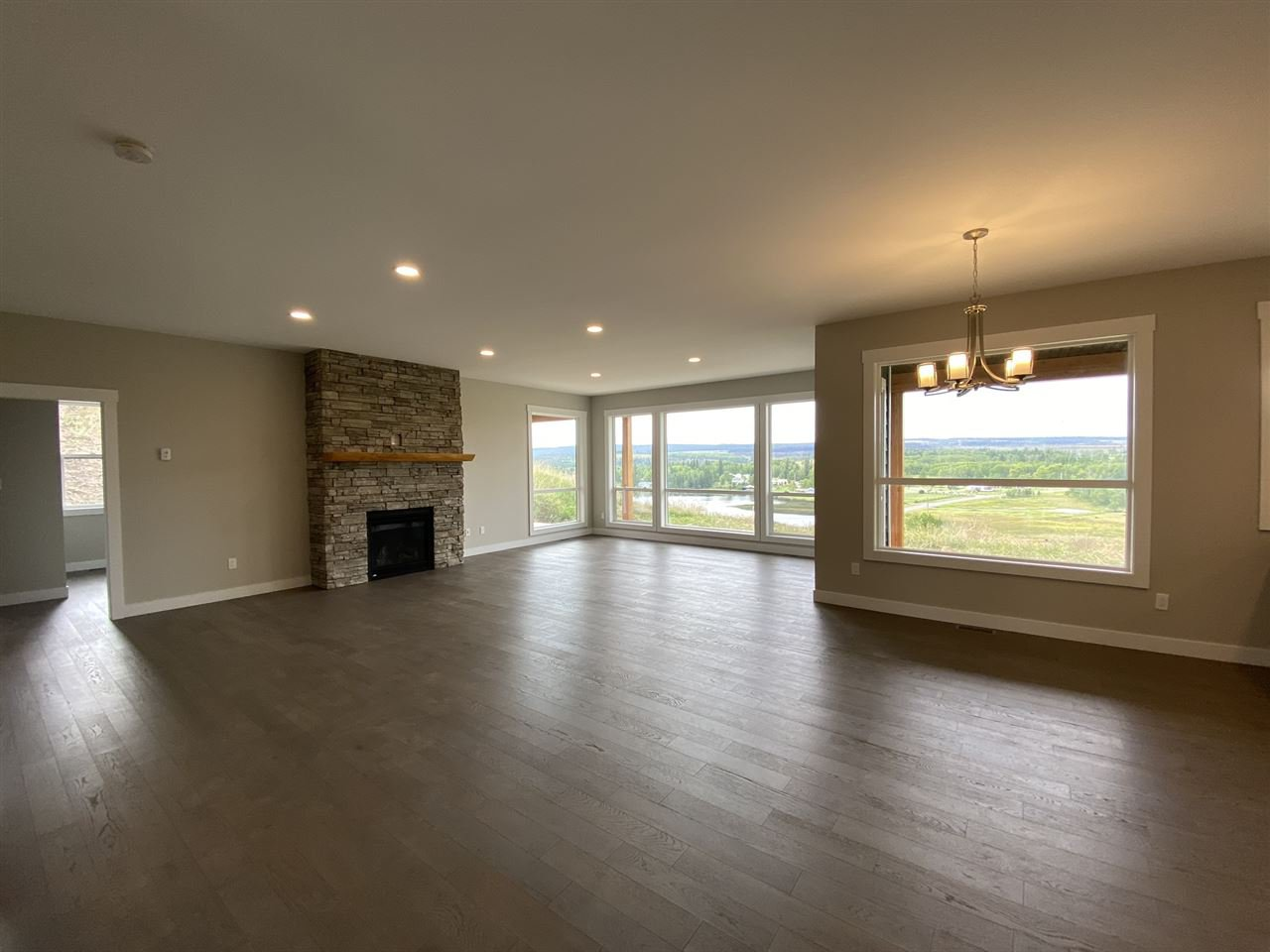 Main Photo: 5046 BLOCK Drive in 108 Mile Ranch: 108 Ranch House for sale (100 Mile House (Zone 10))  : MLS®# R2487702
