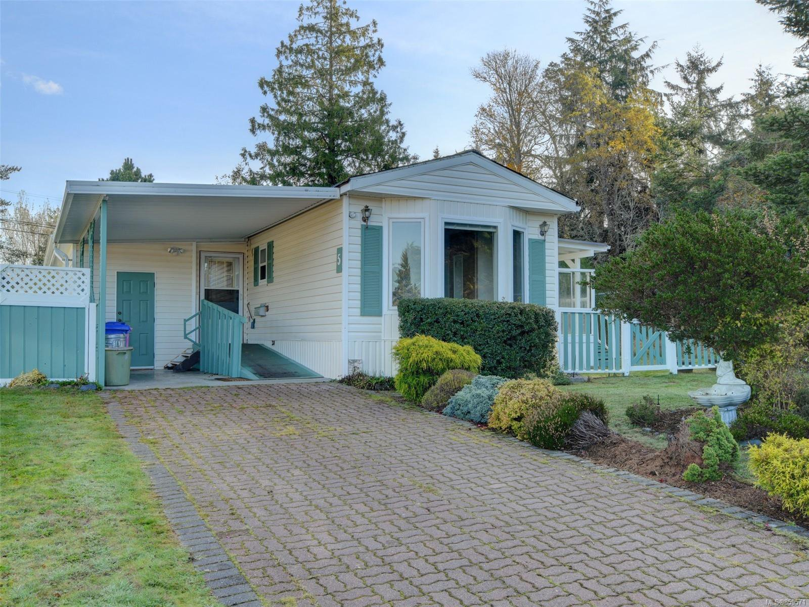 Photo 1: Photos: 5 7109 West Coast Rd in : Sk Whiffin Spit Manufactured Home for sale (Sooke)  : MLS®# 859571