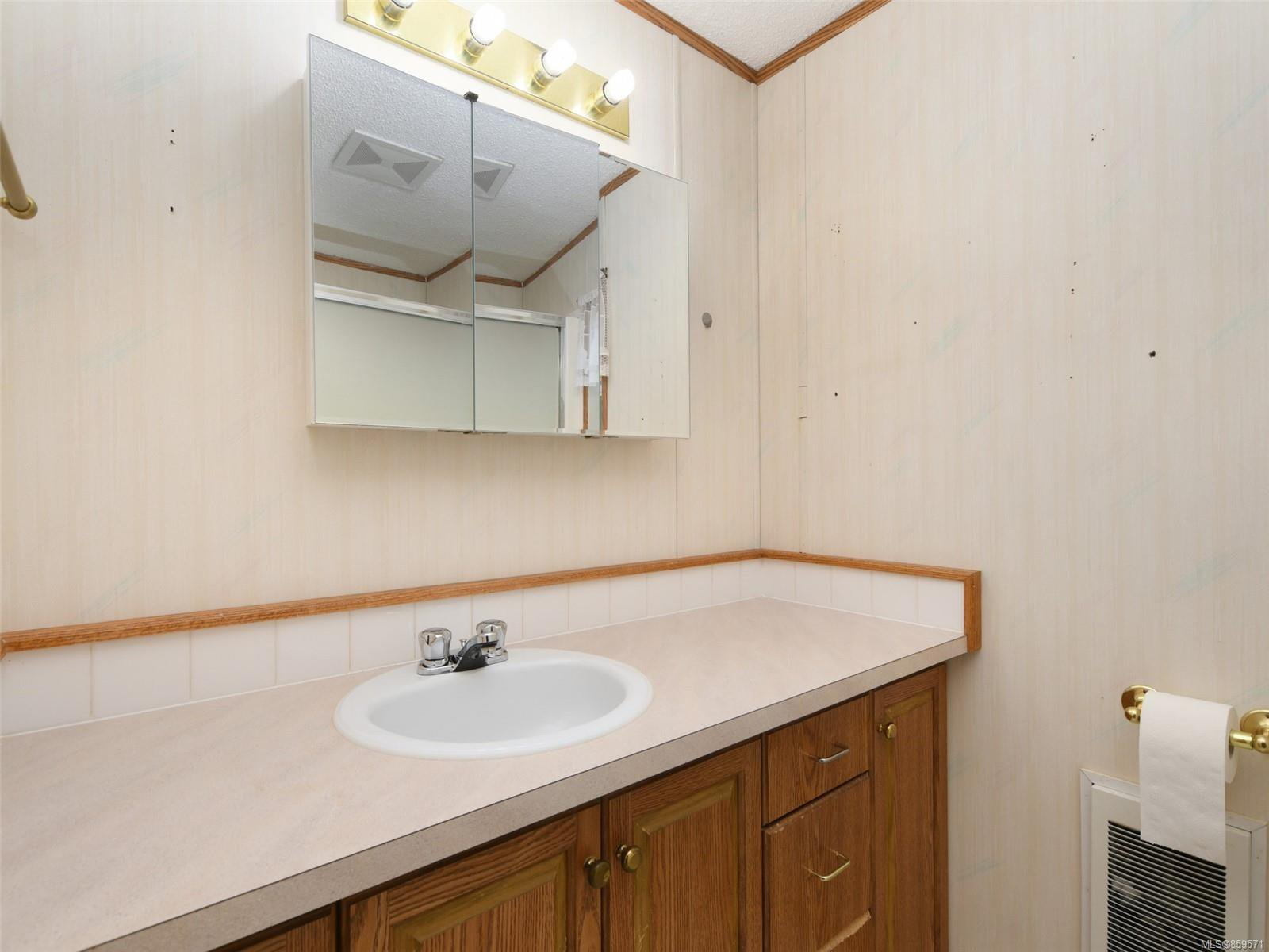 Photo 11: Photos: 5 7109 West Coast Rd in : Sk Whiffin Spit Manufactured Home for sale (Sooke)  : MLS®# 859571