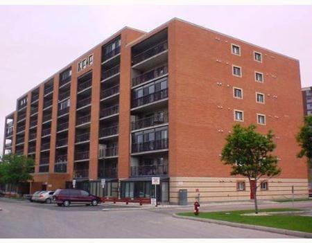 Main Photo: #304 - 1720 Pembina Hwy: Condominium for sale (Fort Garry)  : MLS®# 2709007