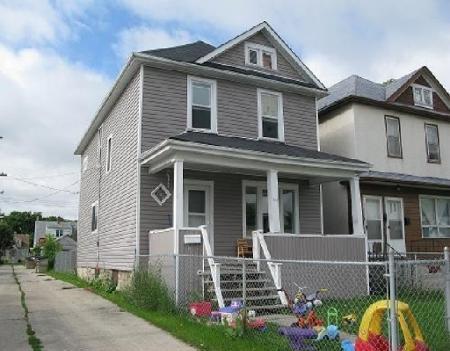 Main Photo: 748 MOUNTAIN AV in WINNIPEG: Residential for sale (North End)  : MLS®# 2915965