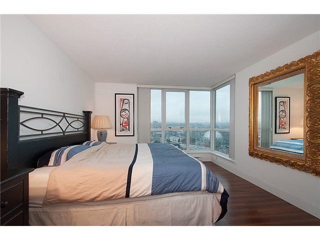 """Photo 15: Photos: 2205 120 MILROSS Avenue in Vancouver: Mount Pleasant VE Condo for sale in """"Brighton"""" (Vancouver East)  : MLS®# V1039028"""