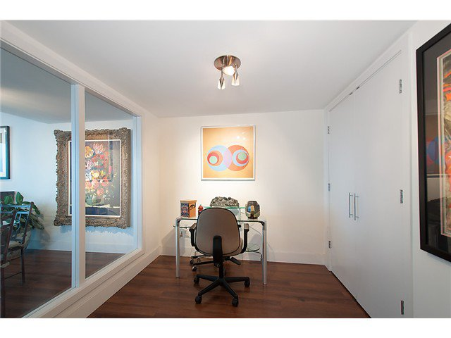 """Photo 14: Photos: 2205 120 MILROSS Avenue in Vancouver: Mount Pleasant VE Condo for sale in """"Brighton"""" (Vancouver East)  : MLS®# V1039028"""
