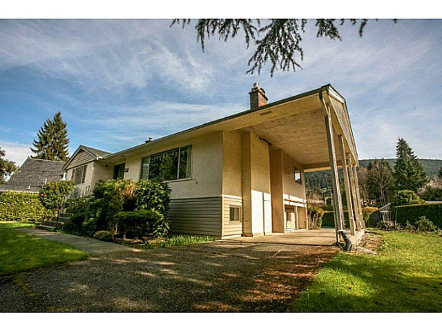 Main Photo: 4378 CHEVIOT Road in North Vancouver: Forest Hills NV House for sale : MLS®# V1111023