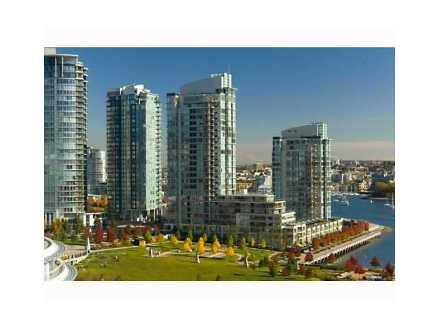 Main Photo: 307 583 BEACH CR in TWO PARKWEST: Yaletown Home for sale ()  : MLS®# V910905
