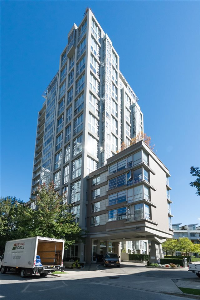 Main Photo: 2003 1228 MARINASIDE Crescent in Vancouver: Yaletown Condo for sale (Vancouver West)  : MLS®# R2110085