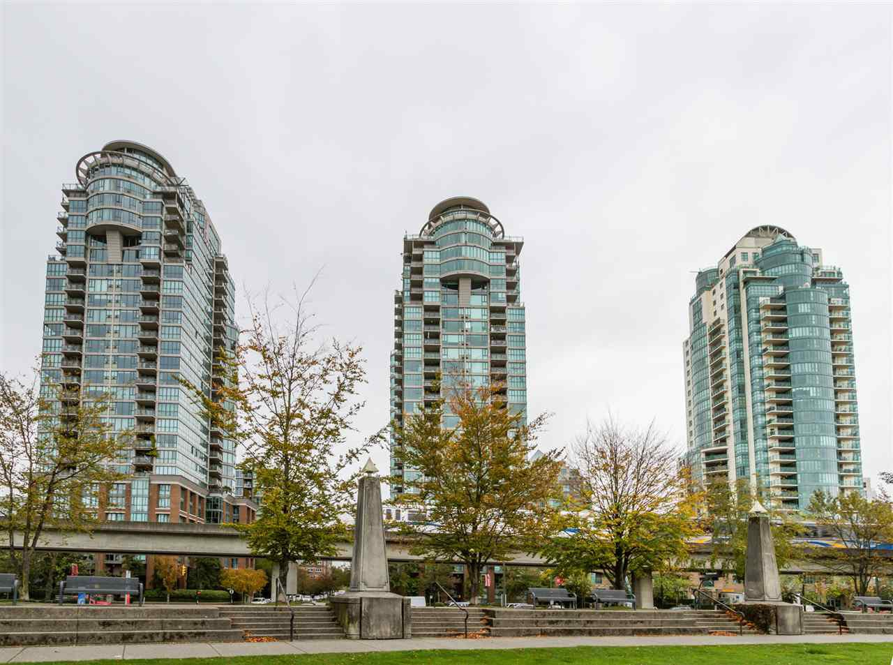 "Main Photo: 302 1128 QUEBEC Street in Vancouver: Mount Pleasant VE Condo for sale in ""THE NATIONAL"" (Vancouver East)  : MLS®# R2118433"