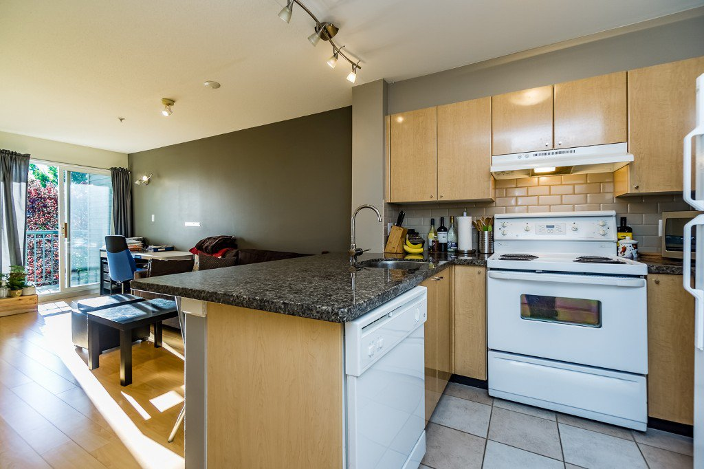 Main Photo: 305 3278 HEATHER STREET in Vancouver: Cambie Condo for sale ()  : MLS®# R2077135