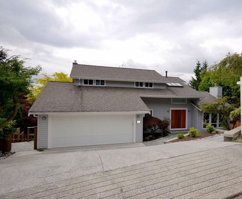 "Main Photo: 2624 TURRET Crescent in Coquitlam: Upper Eagle Ridge House for sale in ""Upper Eagle Ridge"" : MLS®# R2176840"