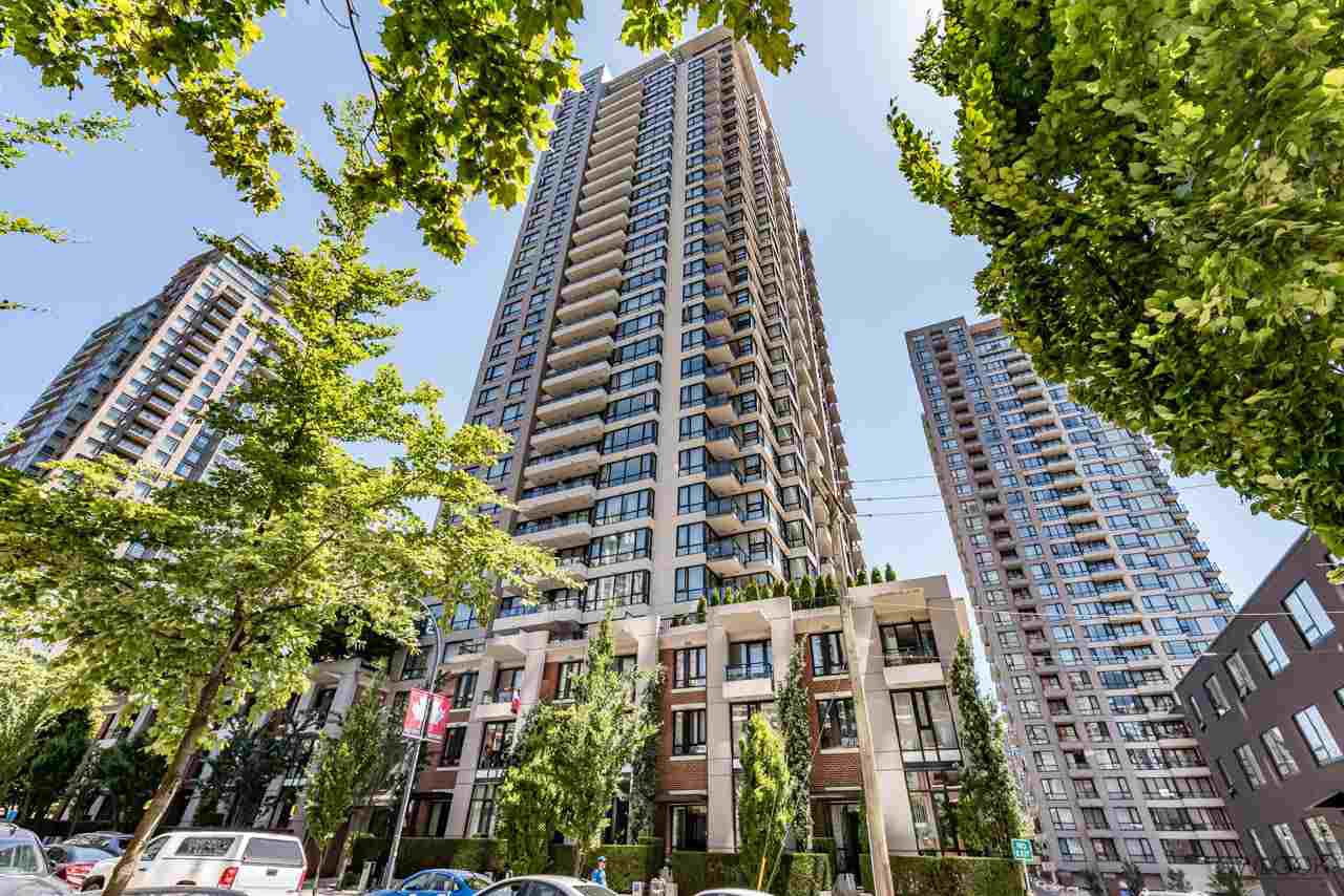 "Main Photo: 2308 928 HOMER Street in Vancouver: Yaletown Condo for sale in ""YALETOWN PARK"" (Vancouver West)  : MLS®# R2181999"