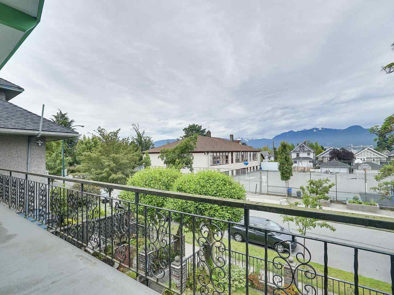 Main Photo: 1928 VENABLES STREET in Vancouver: Grandview VE House for sale (Vancouver East)  : MLS®# R2180121