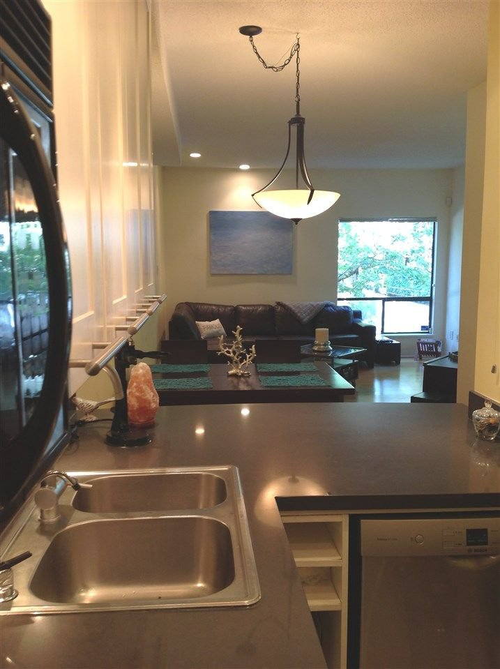 """Photo 7: Photos: 211 1500 PENDRELL Street in Vancouver: West End VW Condo for sale in """"Pendrell Mews"""" (Vancouver West)  : MLS®# R2218931"""