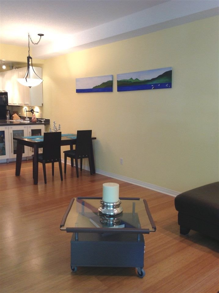 """Photo 4: Photos: 211 1500 PENDRELL Street in Vancouver: West End VW Condo for sale in """"Pendrell Mews"""" (Vancouver West)  : MLS®# R2218931"""