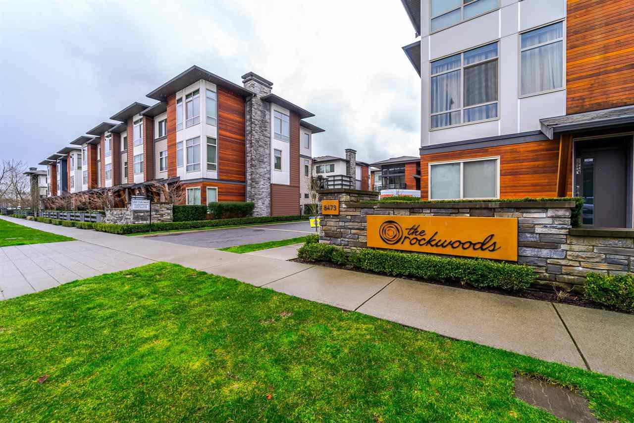 "Main Photo: 141 8473 163 Street in Surrey: Fleetwood Tynehead Townhouse for sale in ""The Rockwood"" : MLS®# R2237689"