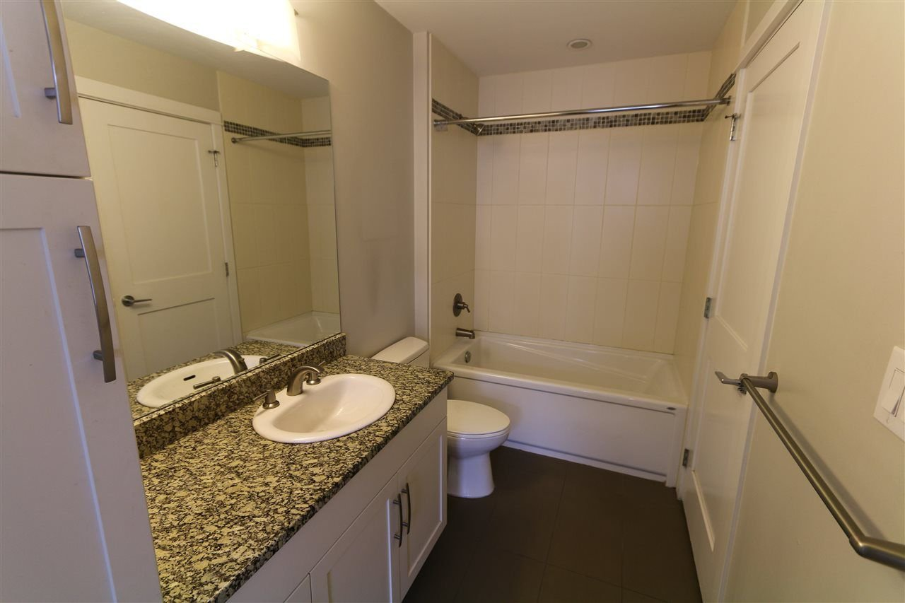 """Photo 10: Photos: 205 20861 83 Avenue in Langley: Willoughby Heights Condo for sale in """"Athenry Gate"""" : MLS®# R2290422"""