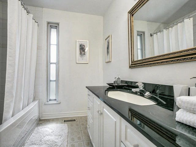 Photo 9: Photos: 69 125 Shaughnessy Boulevard in Toronto: Don Valley Village Condo for sale (Toronto C15)  : MLS®# C4265627