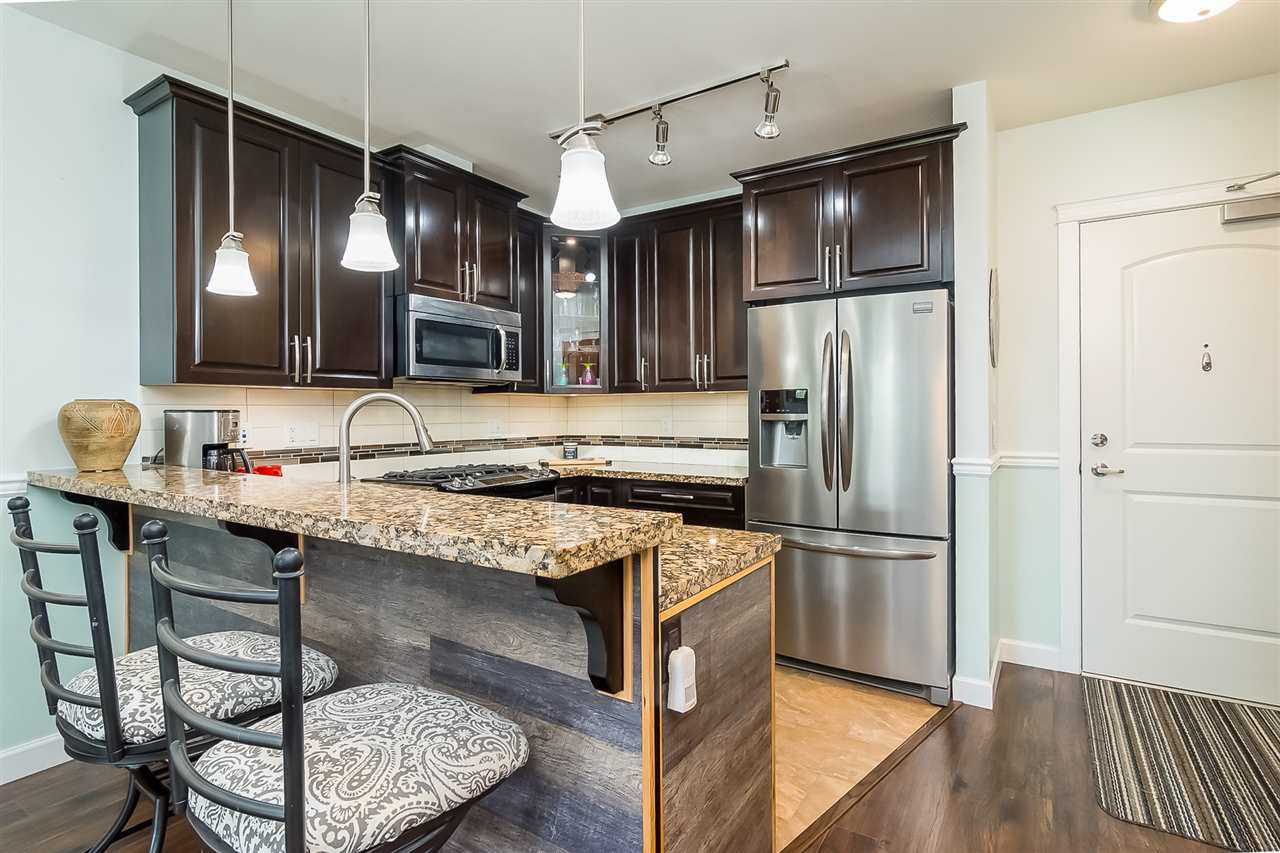 """Photo 9: Photos: 207 8067 207 Street in Langley: Willoughby Heights Condo for sale in """"Yorkson Creek - Parkside 1"""" : MLS®# R2329438"""
